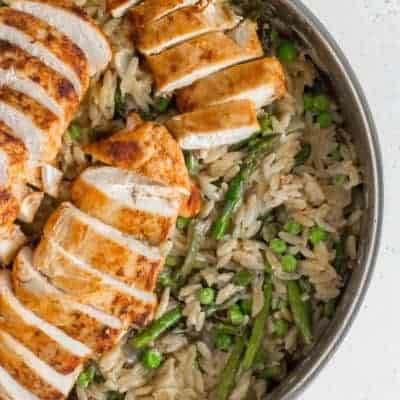 One Pot Creamy Orzo, Chicken, Asparagus, and Peas