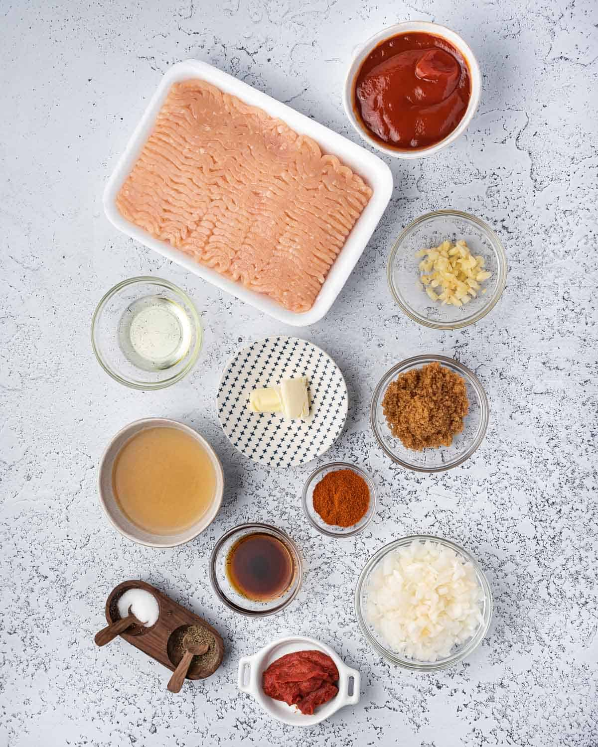 Ingredients needed to make chicken sloppy joes.