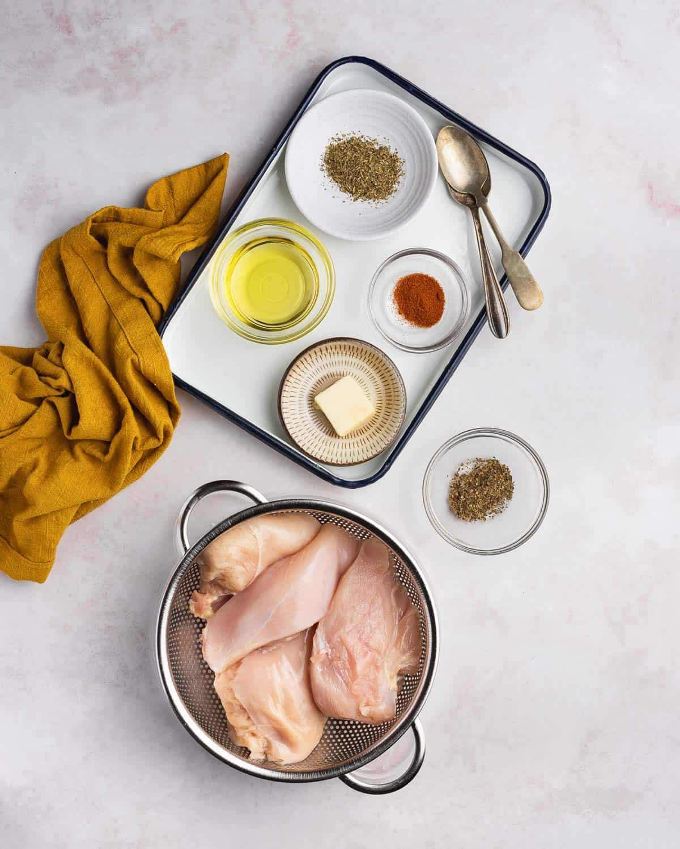 Ingredients needed to make mozzarella chicken.